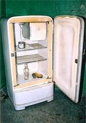 Вывозим,  утилизируем  старые холодильники на металлолом